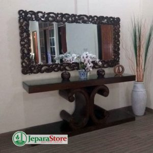 Meja Altar Minimalis Cermin